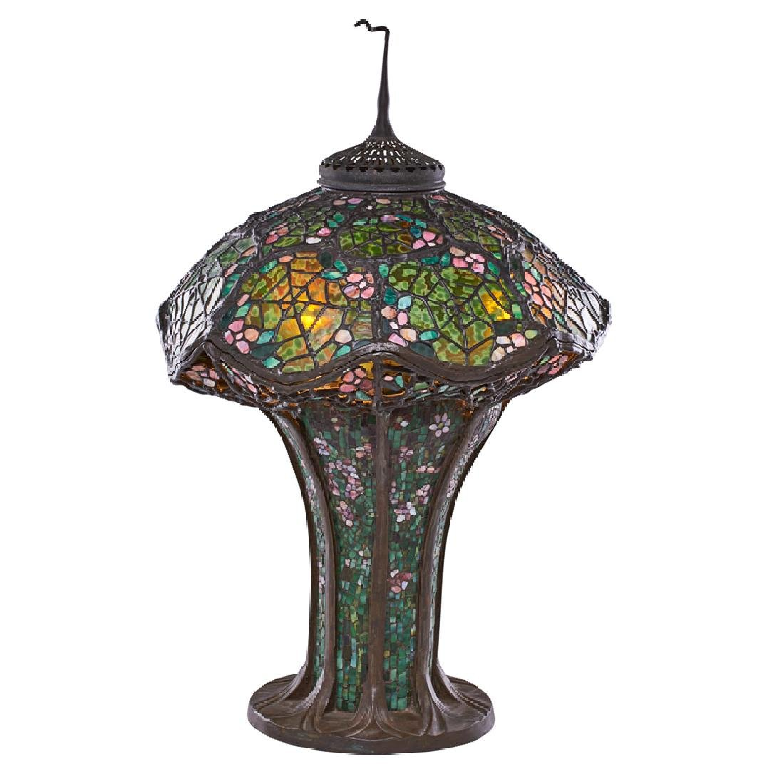 STYLE OF TIFFANY STUDIOS