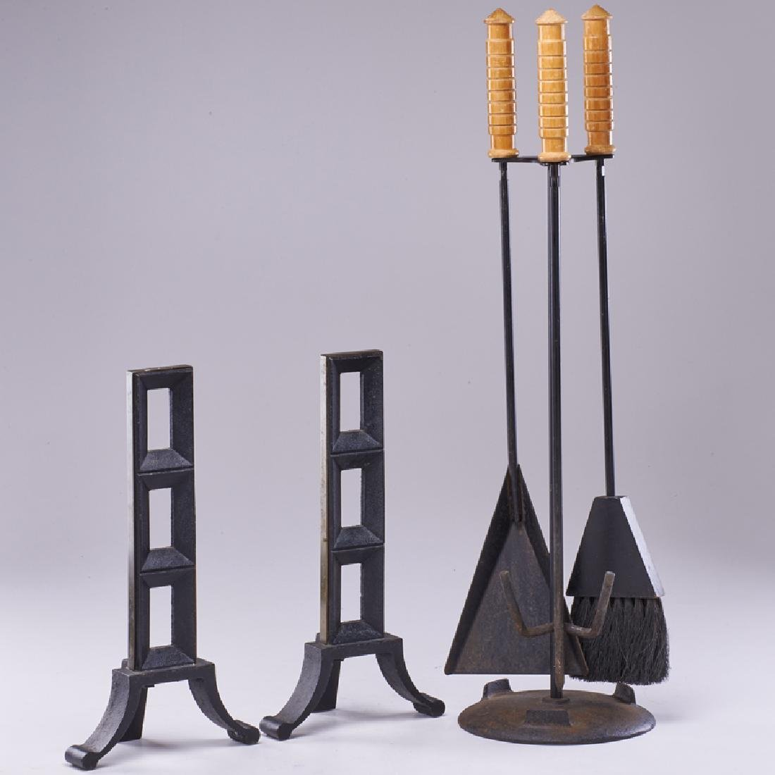 FIREPLACE TOOLS & ACCESSORIES