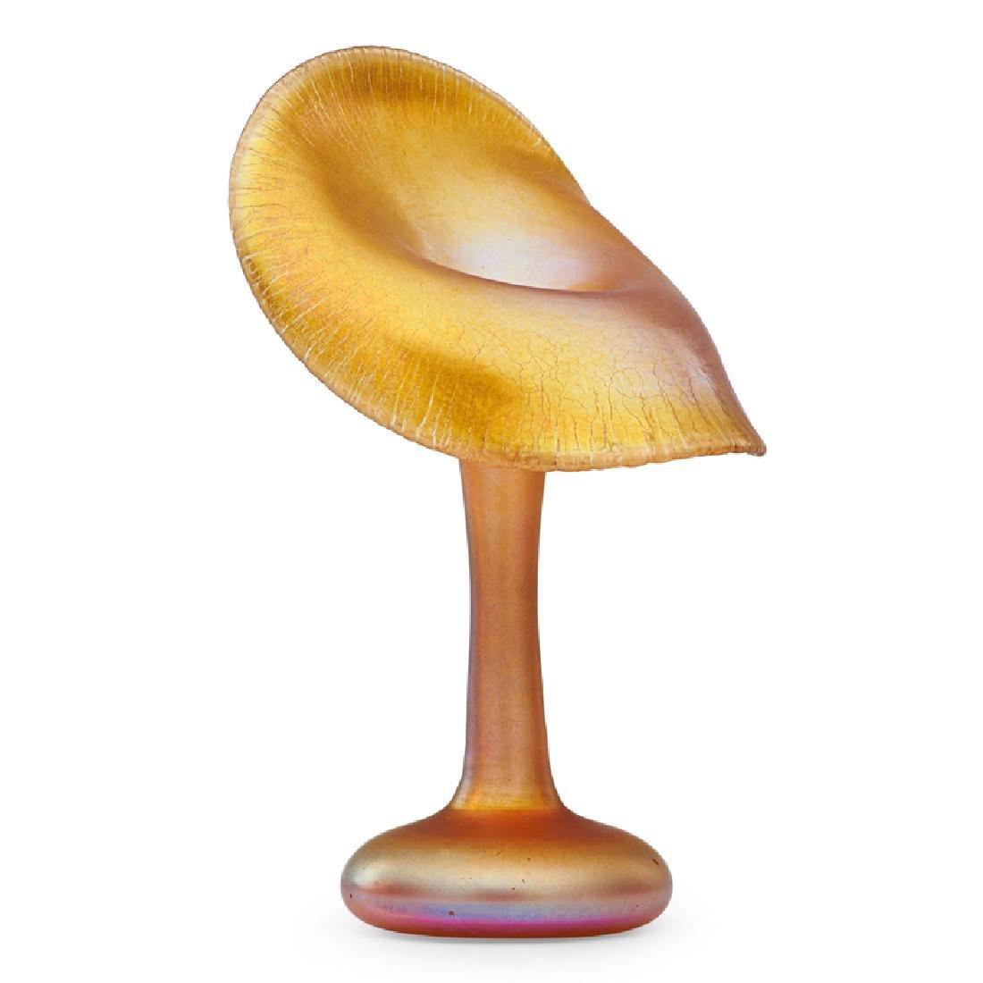TIFFANY STUDIOS Gold Favrile floriform vase - 2