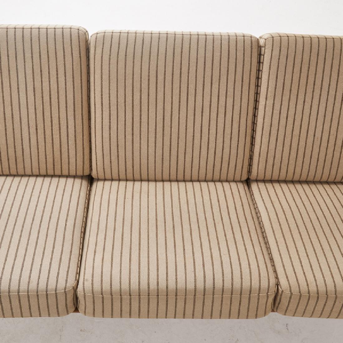 HANS WEGNER Paddle Arm Sofa - 4