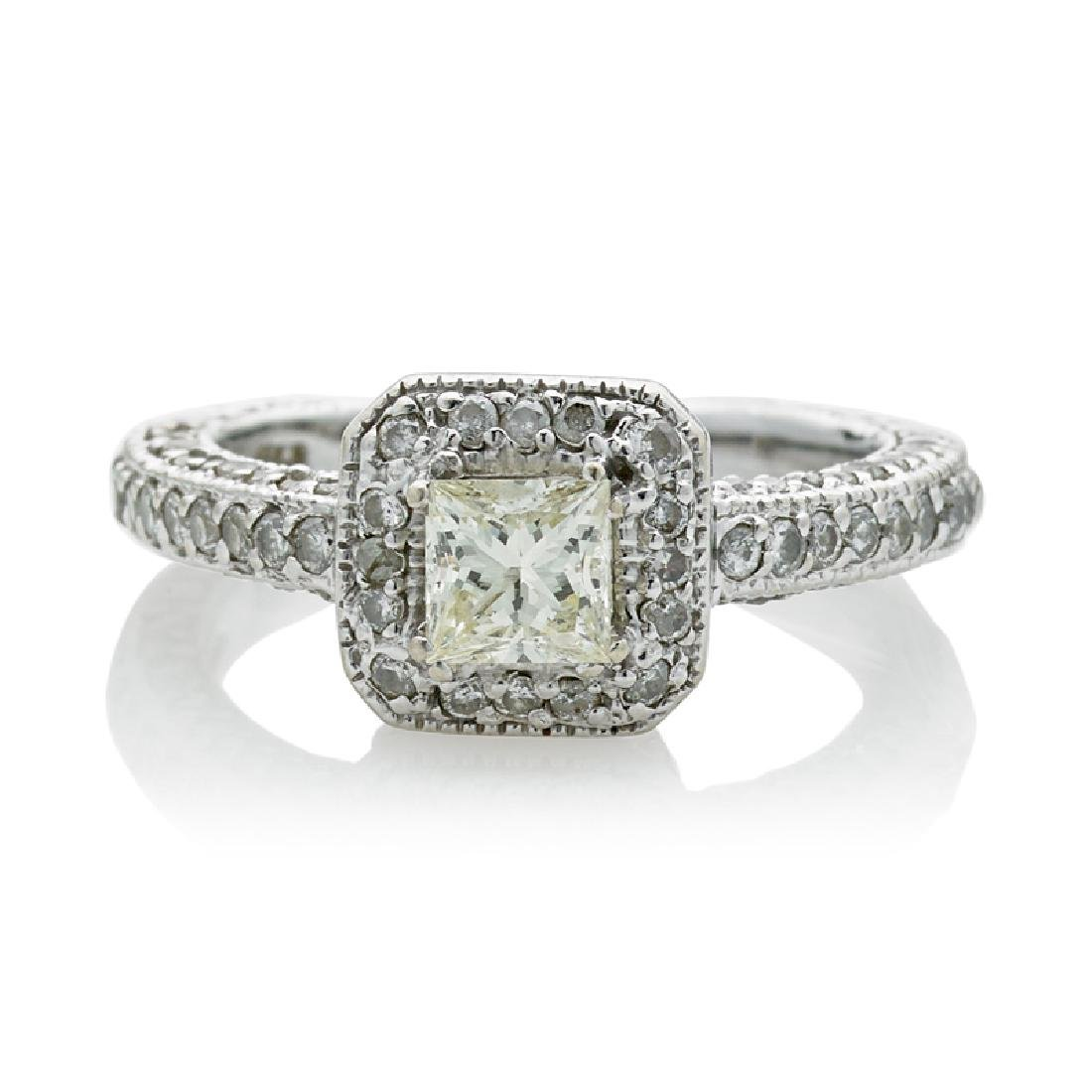 DIAMOND & WHITE GOLD RING