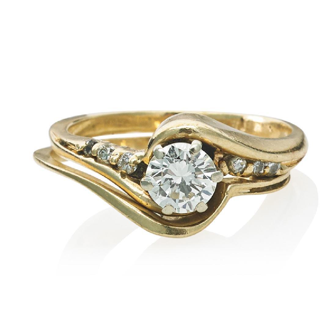 DIAMOND & YELLOW GOLD WEDDING RING SET