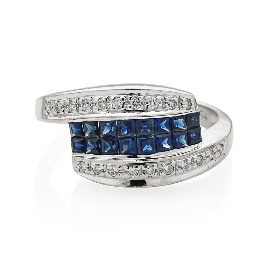 DIAMOND, SAPPHIRE & WHITE GOLD RING