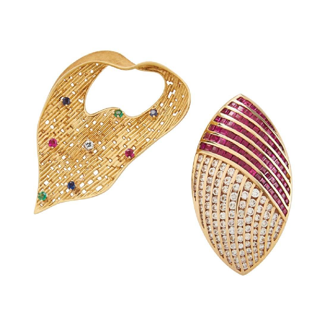 RETRO DIAMOND & GEM-SET YELLOW GOLD PENDANT BROOCHES