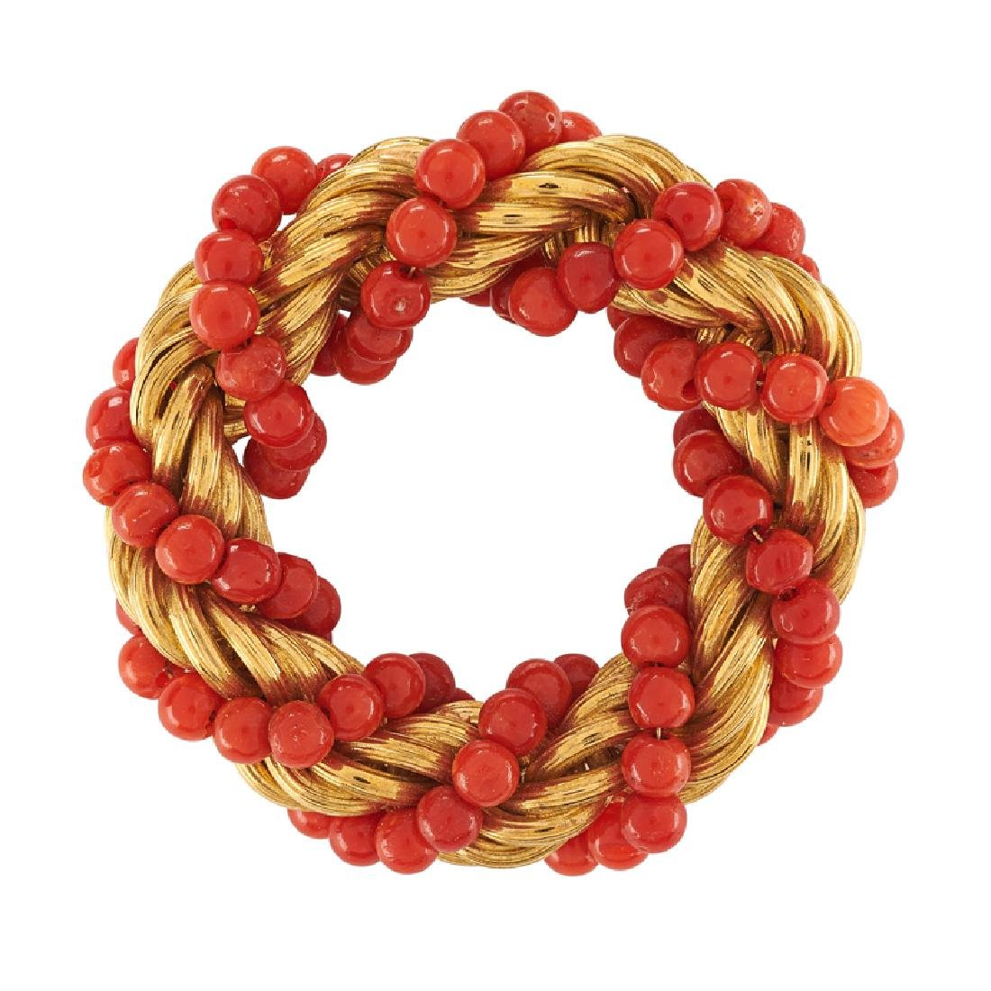 CORAL BEAD & ROPED YELLOW GOLD CIRCLE BROOCH