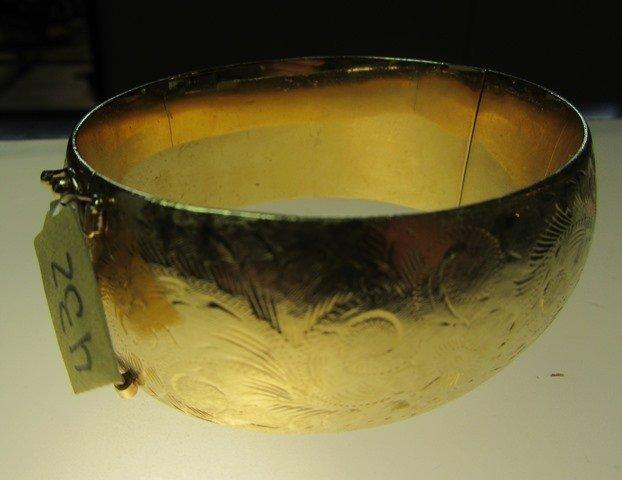 YELLOW GOLD HINGED BANGLE BRACELET - 2