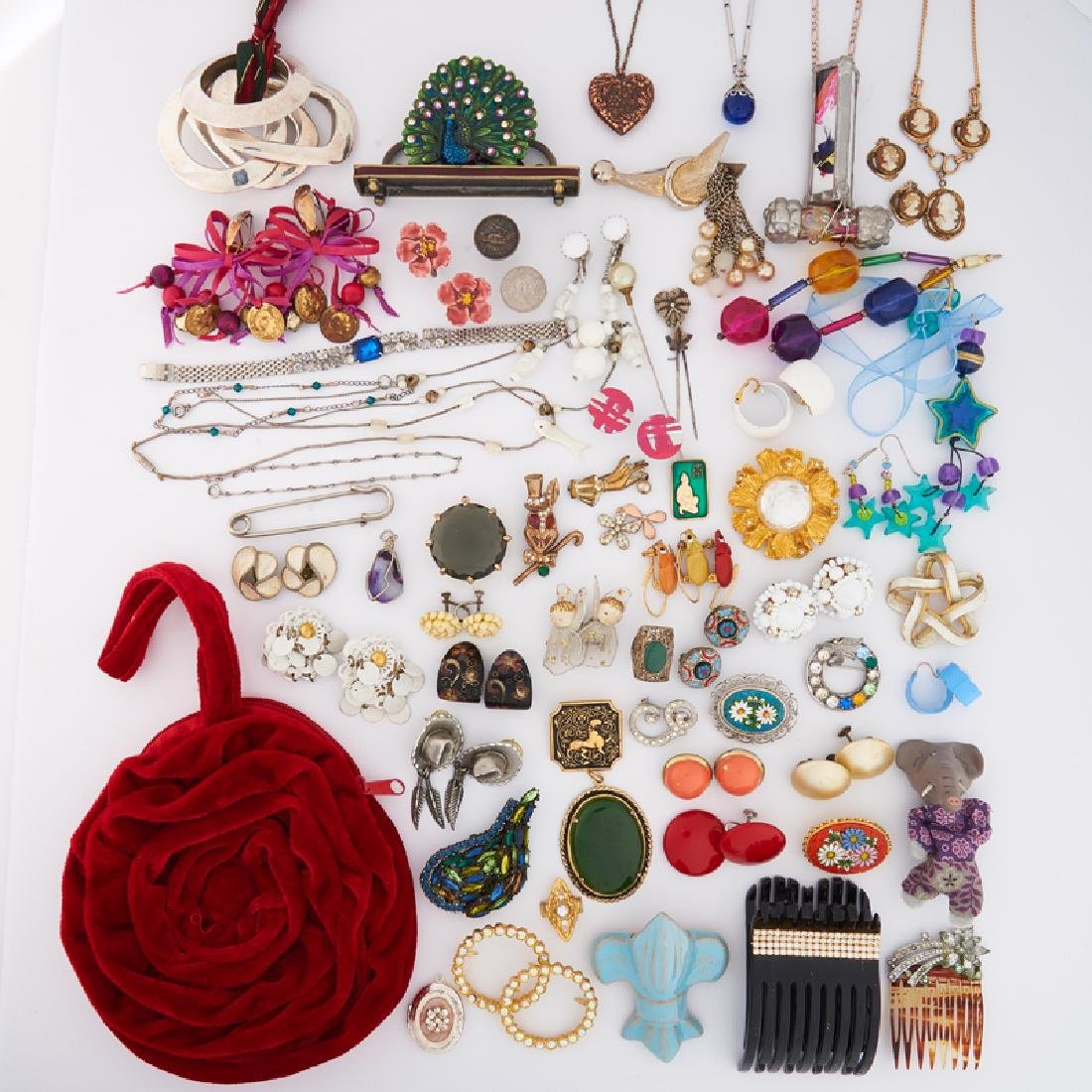 COLLECTION OF COSTUME JEWELRY, ACCESSORIES & FINDINGS