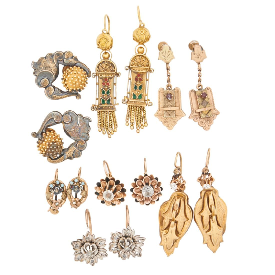 COLLECTION OF VICTORIAN YELLOW GOLD OR SILVER EARRINGS