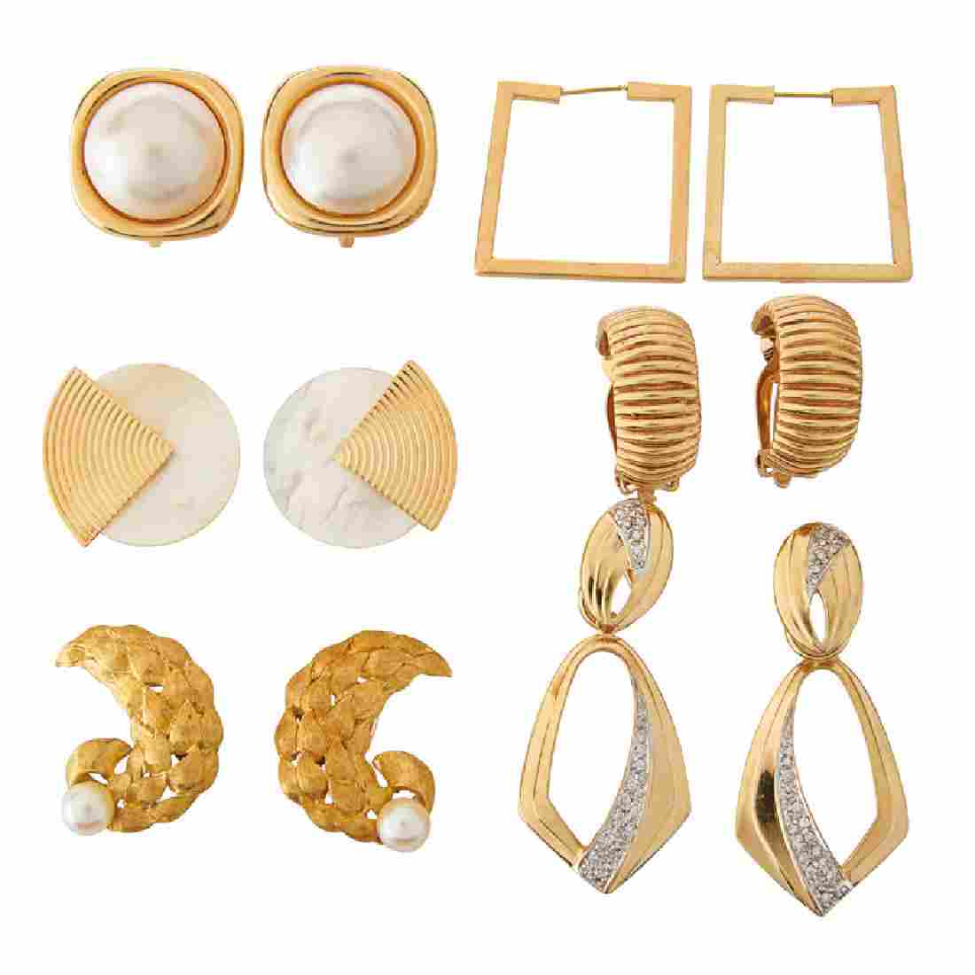 GROUP OF YELLOW GOLD EARRINGS, INCL. DIAMONDS & PEARLS