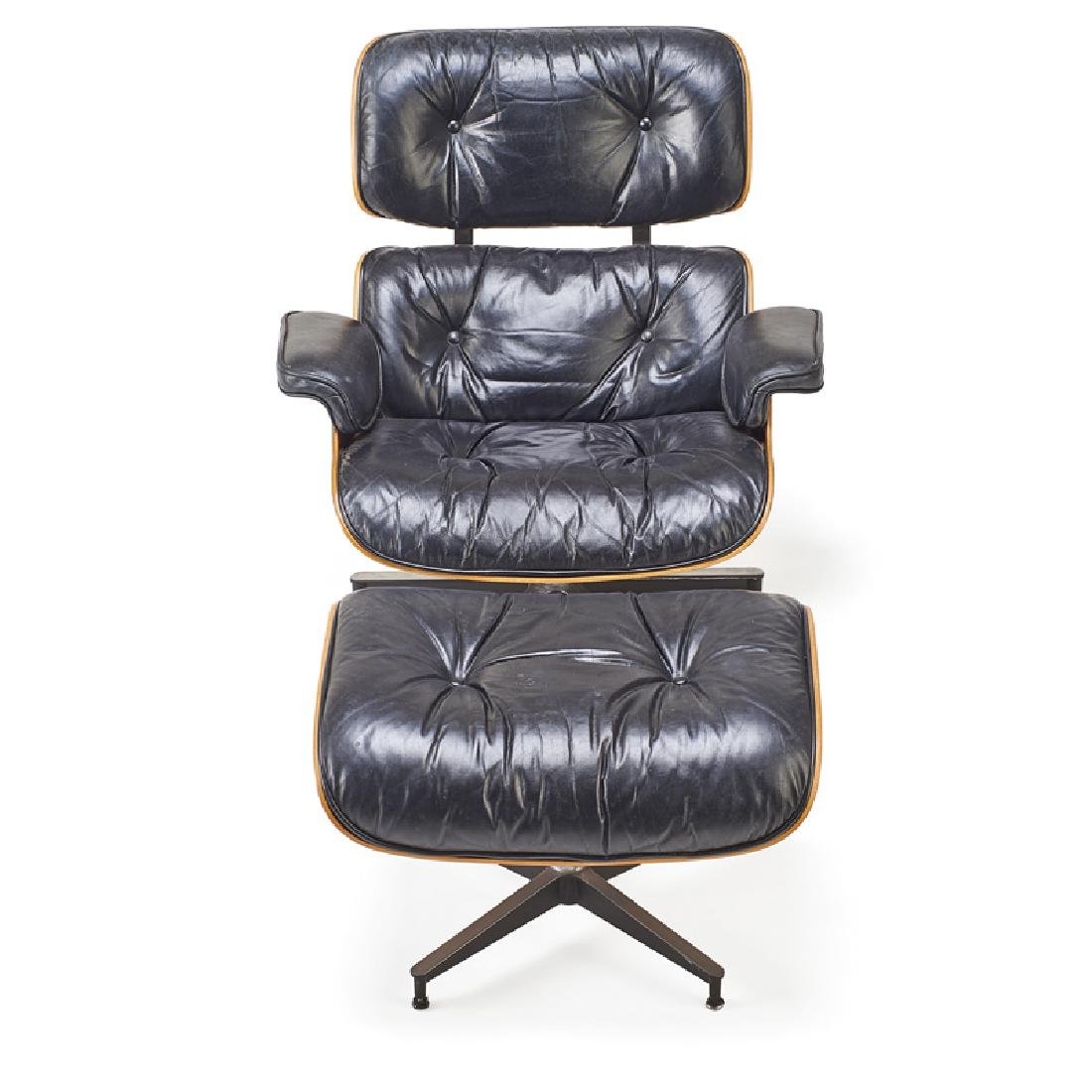 CHARLES AND RAY EAMES Lounge chair and ottoman - 4