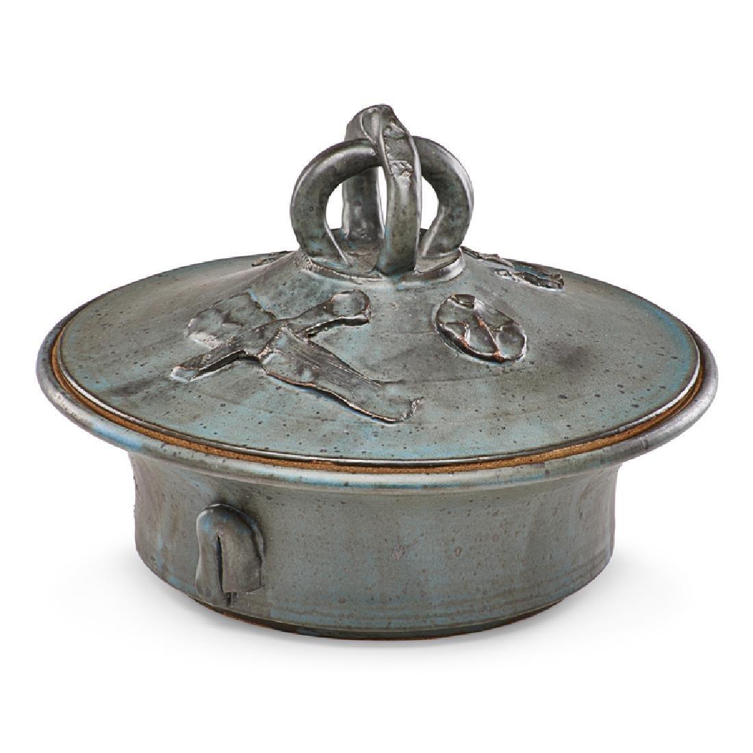 ROBERT TURNER Large stoneware lidded vessel