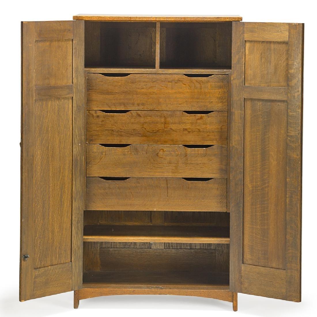 GUSTAV STICKLEY Child's wardrobe (no. 920) - 2