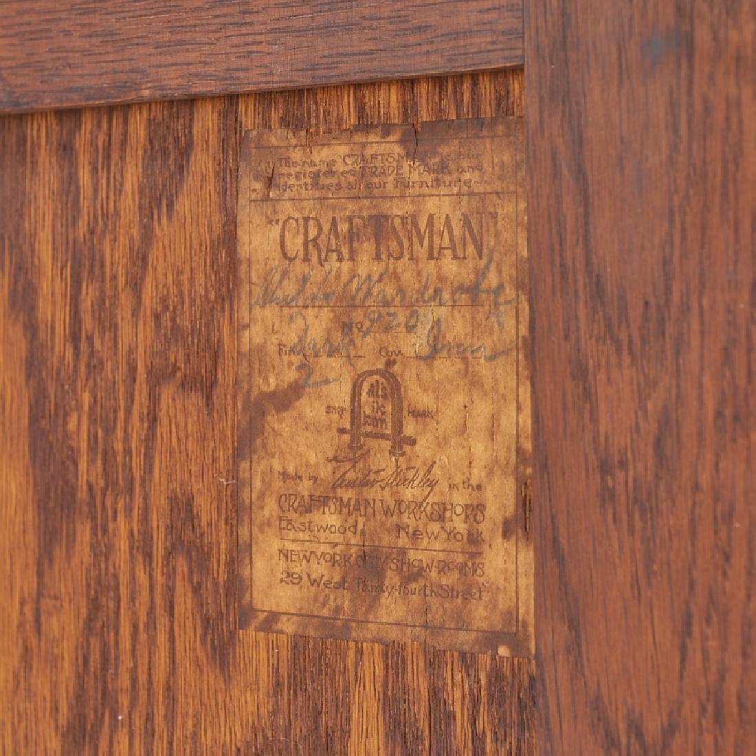 GUSTAV STICKLEY Child's wardrobe (no. 920) - 4
