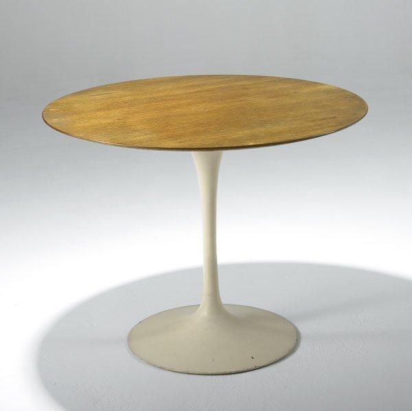 18: EERO SAARINEN / KNOLL Dining table