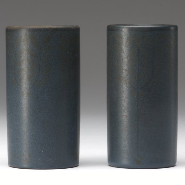 1021: MARBLEHEAD Pair of cylindrical bud vases