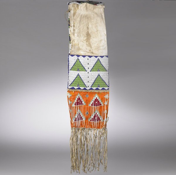 8: SIOUX BEADED PIPE BAG, MIDWEST