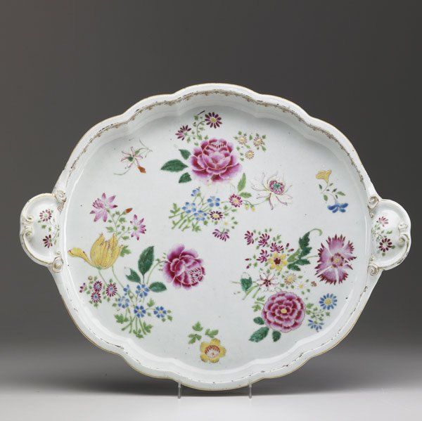 11A: CHINESE EXPORT Famille Rose oval platter