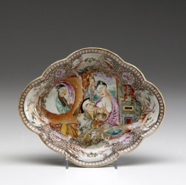 14: CHINESE EXPORT Oval serving dish with erotic image