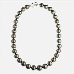 Dark grey cultured pearl necklace