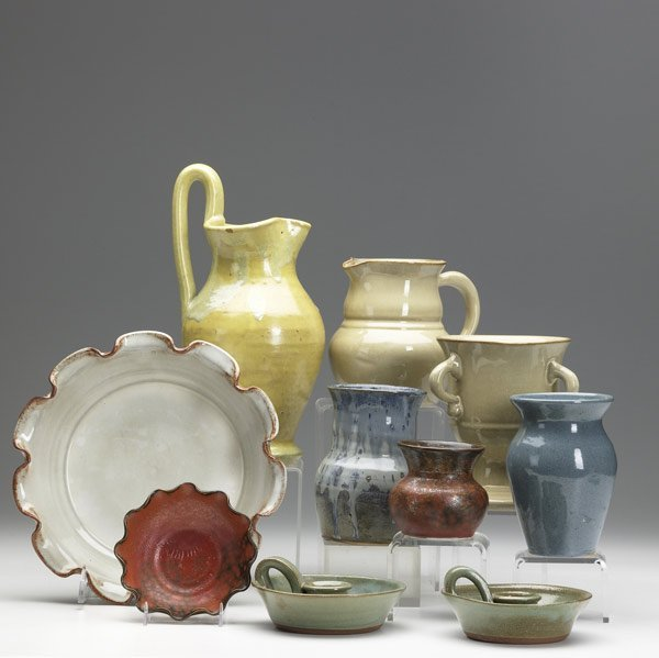 1212: NORTH CAROLINA POTTERY BOX LOT