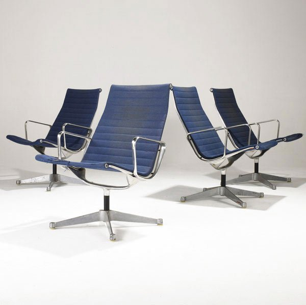 14: CHARLES AND RAY EAMES Four Aluminum Group chairs