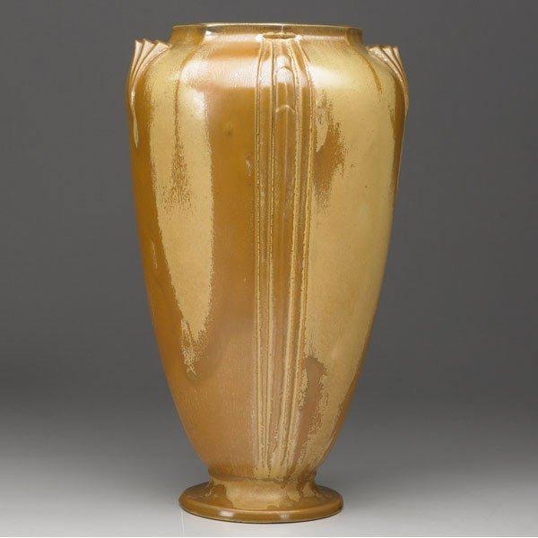 5: ROSEVILLE Russco vase