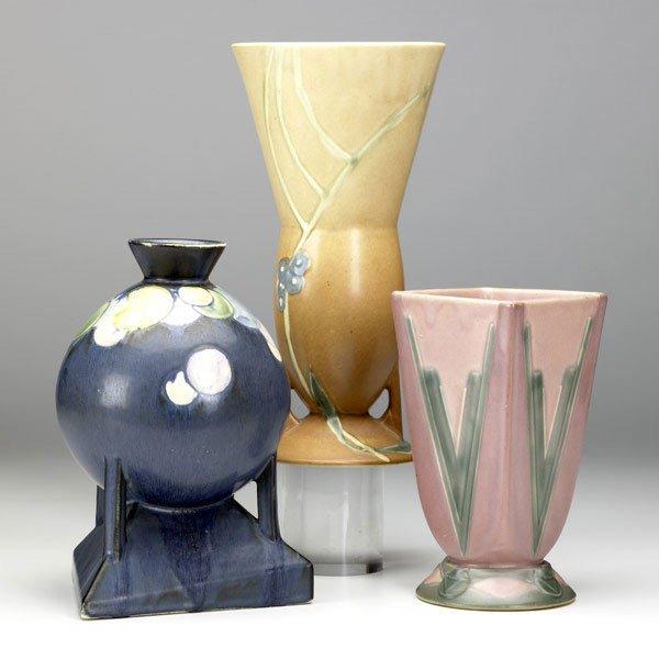 11: ROSEVILLE Futura three vases