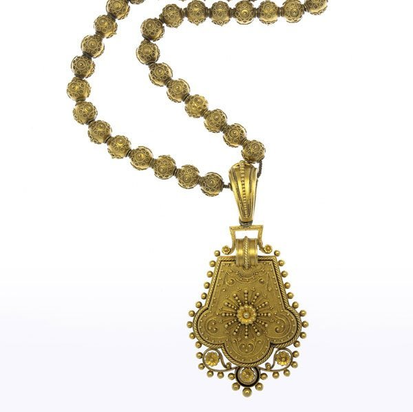1007: ARCHAEOLOGICAL REVIVAL GOLD LOCKET NECKLACE