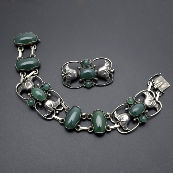 1058: GEORG JENSEN SILVER AND CHRYSOPRASE SUITE
