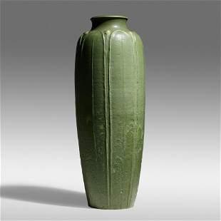 Grueby Faience Company, Exceptional floor vase