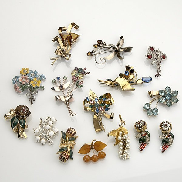 11: BOUQUET BROOCHES