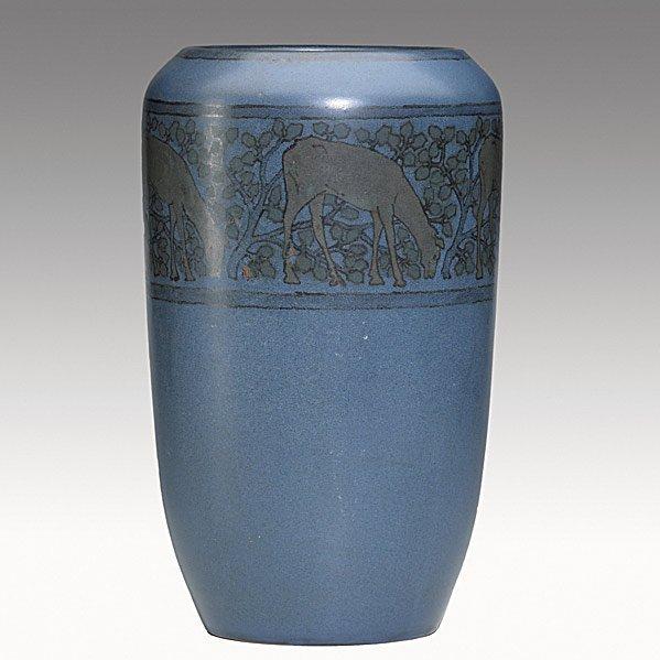 8: MARBLEHEAD Tall vase