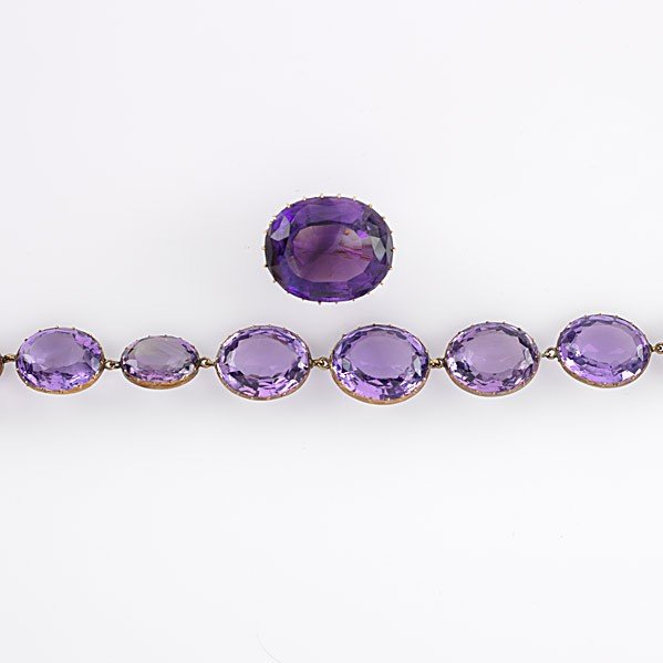 1012: VICTORIAN 14K GOLD AND AMETHYST JEWELRY