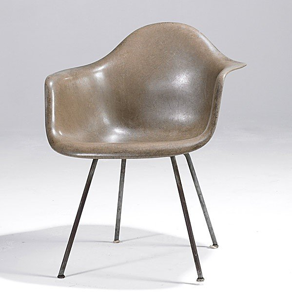 22: CHARLES AND RAY EAMES/ HERMAN MILLER