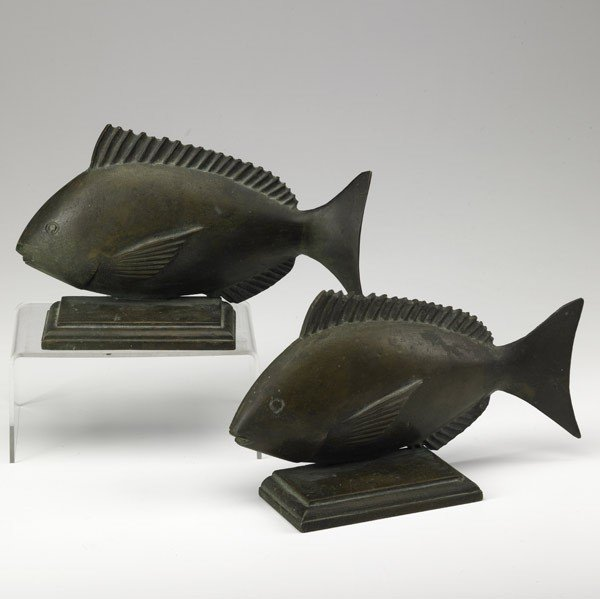 12: PAIR OF BRONZE FISH BOOKENDS