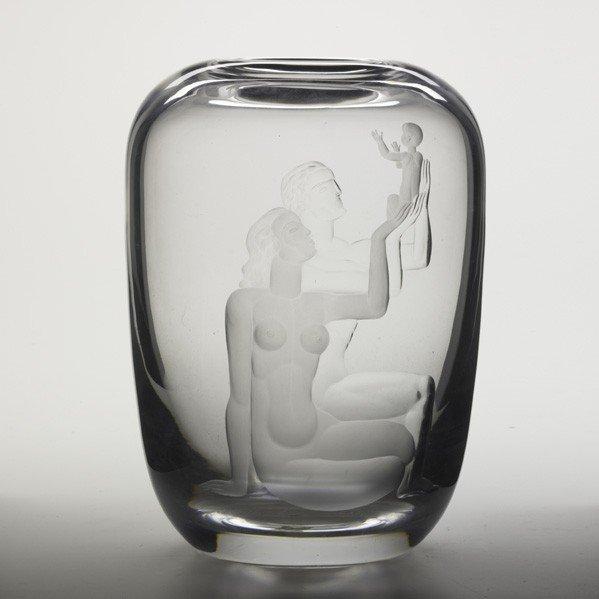 789: VICKE LINDSTRAND; ORREFORS; Etched glass vase - 2