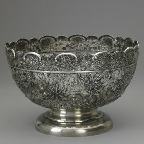 LUEN-WO CHINESE EXPORT PIERCED SILVER BOWL