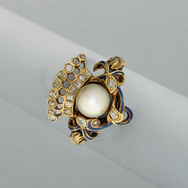 2003: RENAISSANCE REVIVAL GOLD DIAMOND PEARL RING