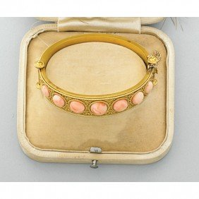 2007: ARCHEOLOGICAL REVIVAL GOLD AND CORAL BRACELET