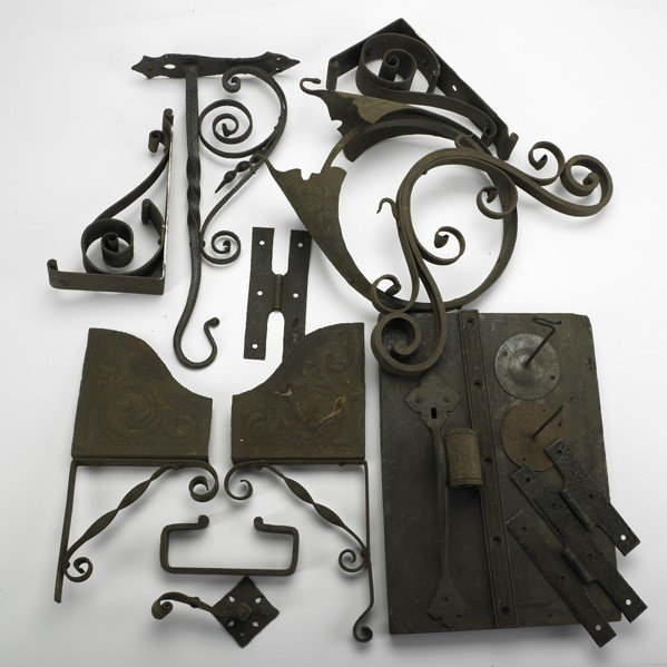 14: ARDEN COMMUNITY; Wall brackets