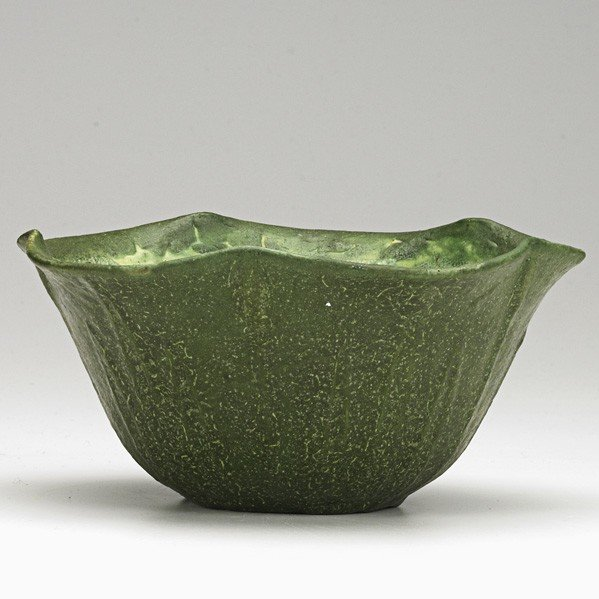 50: GRUEBY; Scalloped bowl