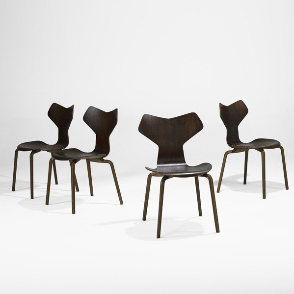 627: ARNE JACOBSEN; Grand Prix chairs