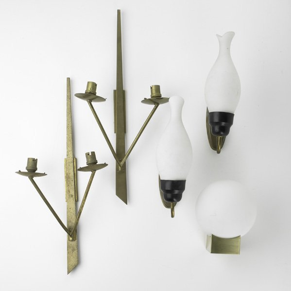 21: SCONCE GROUPING; Five pieces: two pairs and one sin