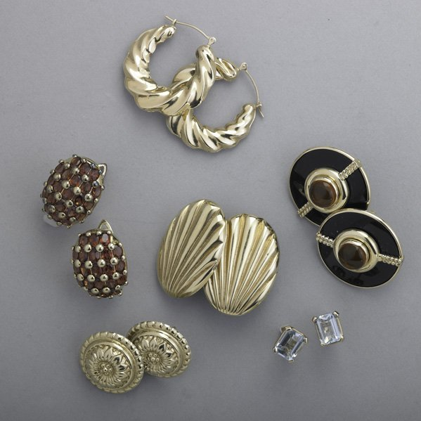 2017: FIVE PAIRS GOLD EARRINGS, ONE PAIR GILT SILVER