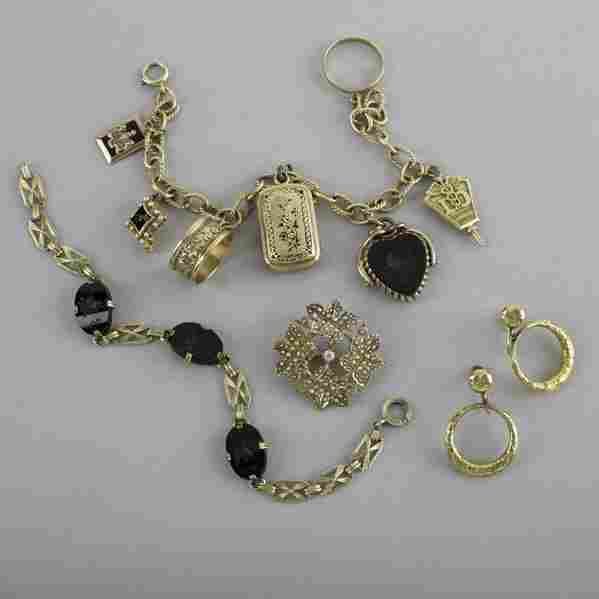 2027: COLLECTION OF YELLOW GOLD JEWELRY