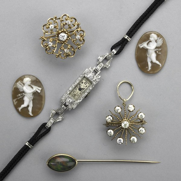 2045: COLLECTION OF VICTORIAN AND ART DECO JEWELRY