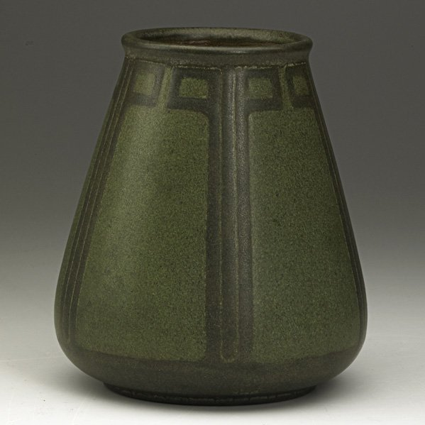 13: MARBLEHEAD Vase with geometric pattern