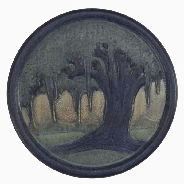 19: NEWCOMB COLLEGE Trivet with oak trees
