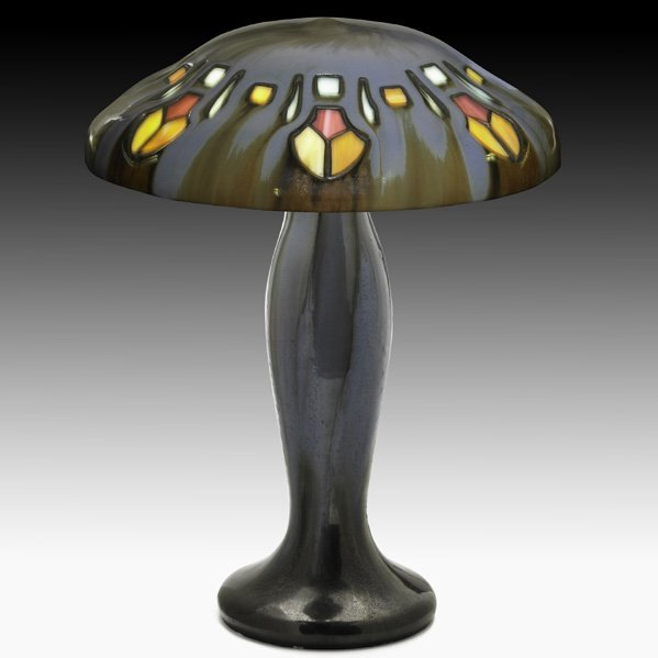 22: FULPER Mushroom-shaped table lamp