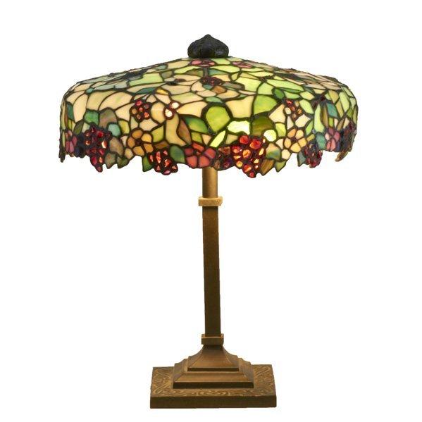 32: LEADED GLASS LAMP